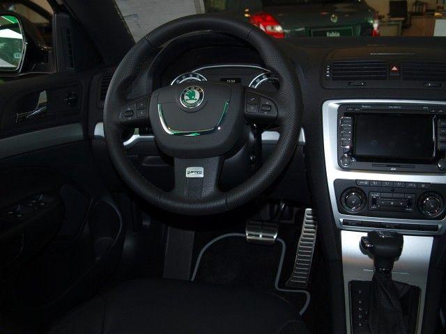 skoda octavia 09 armaturenbrett lenkrad airbag airbagsatz. Black Bedroom Furniture Sets. Home Design Ideas